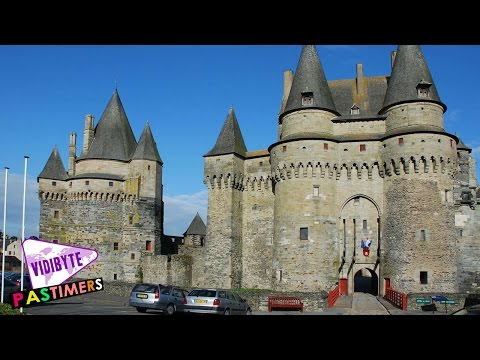 10 Most Beautiful Castles in France || Pastimers
