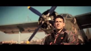 Novak Djokovic plays tennis on wings of flying plane - SPEED WingTennis