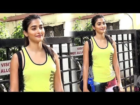 Pooja Hegde Hot In Yoga Pant Spotted At Juhu