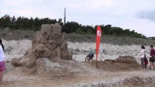 Замок из песка длиною 27.5 км. в Рюгене(Более 10000 человек в течении 2-ух месяцев стали строителями и на протяжении 27.5 километров возвели замок высот..., 2011-09-19T09:33:15.000Z)