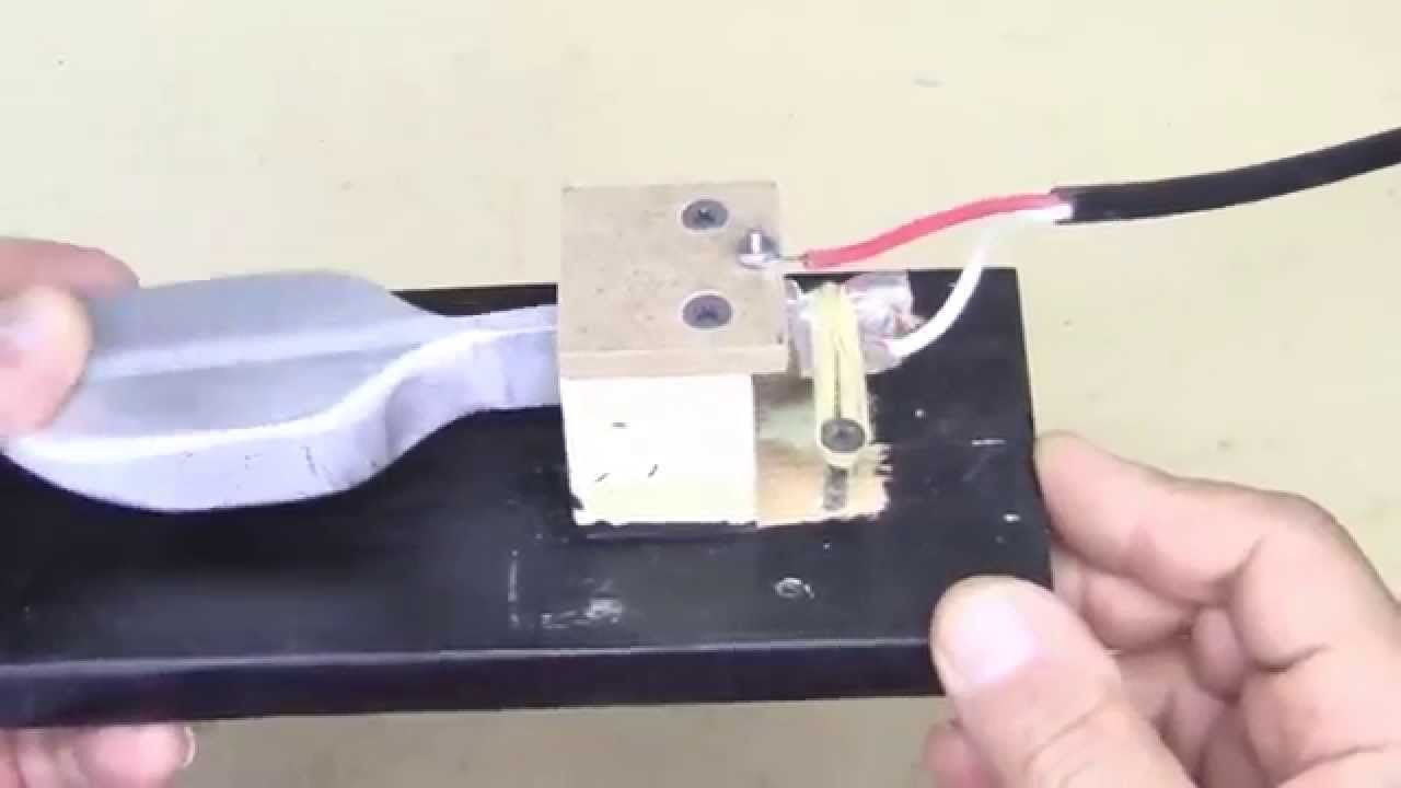 build the new junkbox universal keyboard sustain pedal [ 1280 x 720 Pixel ]