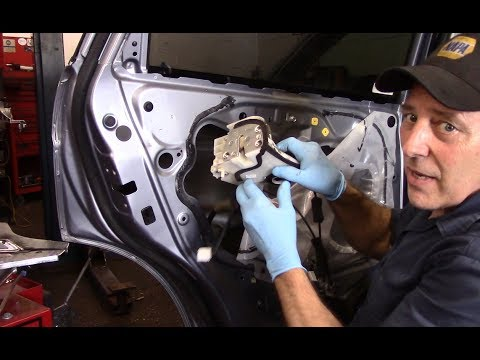 How To Replace The Lock Actuator On A 2008 Honda Crv Youtube