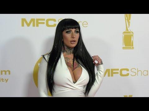Jessie Andrews at 2012 AVN AWARDS Show Red Carpet ArrivalsKaynak: YouTube · Süre: 1 dakika4 saniye