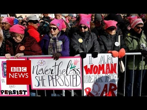Women's marches draw crowds in US – BBC News