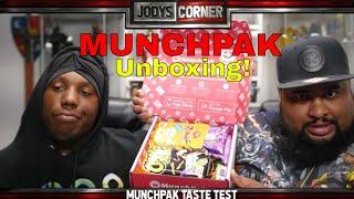 Munchpak Unboxing | Tasting Treats From Around the Globe!