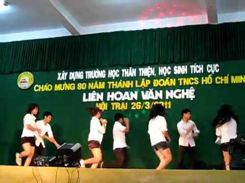 Clip nhảy 11/3 Quốc Học Huế - Văn nghệ trại (26/3/2011) - Sweet dream + Shots