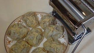 Манты, лапша и лапшерезка.(Готовим манты по традиционному рецепту, но с использованием современных кухонных гаджетов. Тесто раскатыв..., 2013-11-28T17:09:46.000Z)