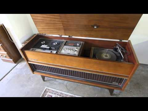 Jvc 4tr 990 Deluxe Solid State Stereo Record Console Youtube