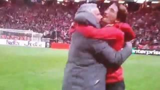 Радость Моуриньо после победы в Лиге Европы Манчестер Юнайтед