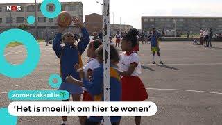 Kinderen in Kaapstad sporten tussen schietende bendes