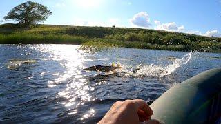 Рыбалка в июне! Ловля щуки в сильный ветер на спиннинг с лодки!