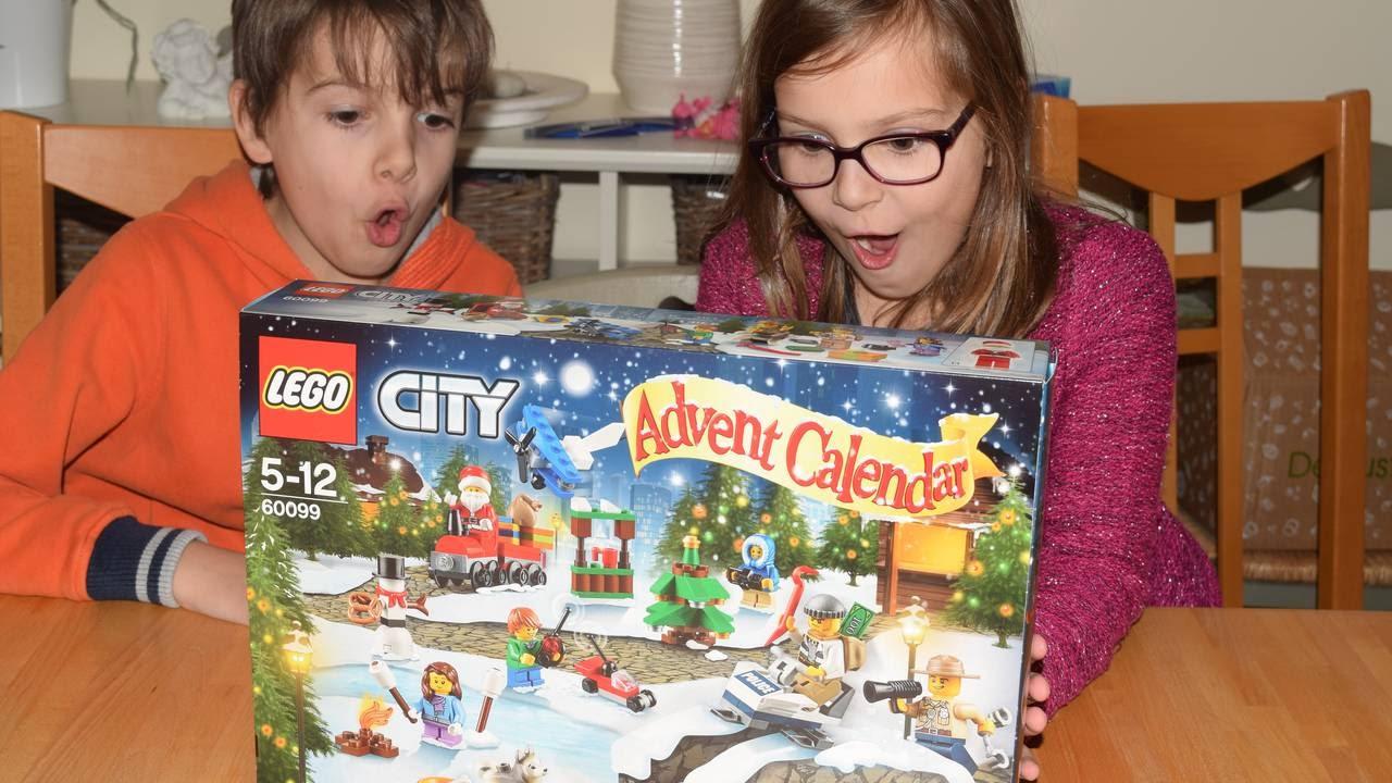 Calendrier Lego Friends 2019.Calendrier De L Avent Lego City Ouverture Et Construction