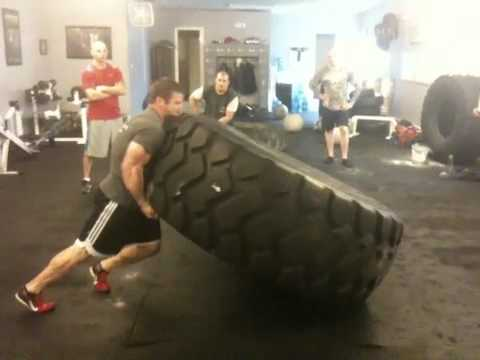 Rob Orlando S 1 000 Lbs Tire Flip Youtube