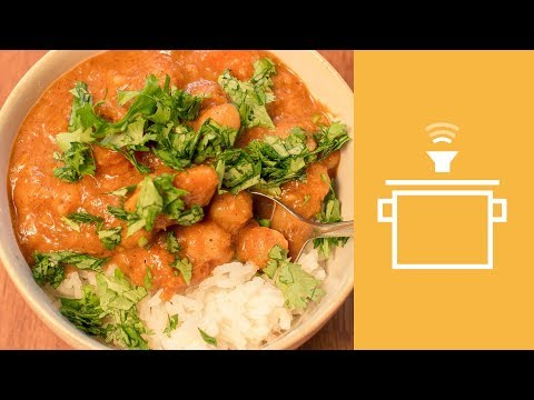 Silently Cooking Sweet Potato and Chickpea Curry