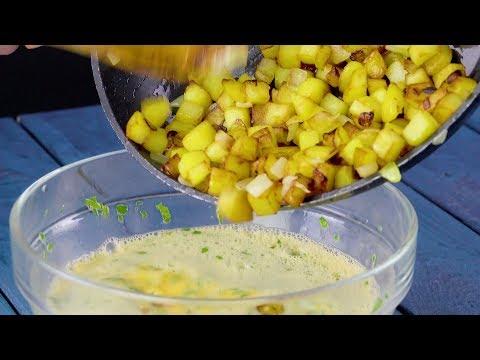 Köchin kippt Bratkartoffeln in rohe Eier. Was sie plant, ist ein Futtertraum!