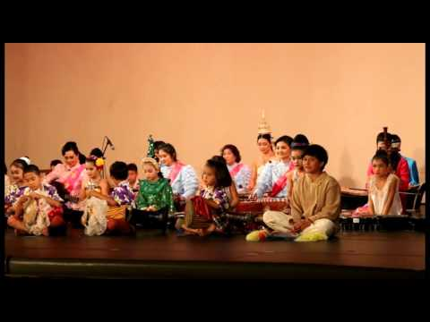 Another Cinderella Story - Thai Cultural 2015 part 1