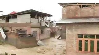 Srinagar on flood alert as river Jhelum crosses danger mark