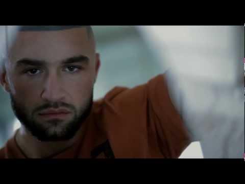 Man at Bath / Homme au bain (2010) - Trailer ENG SUBS
