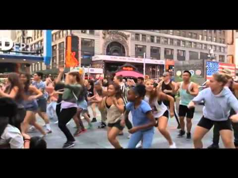 Pharell Williams - Happy (Flash Mob Edition)
