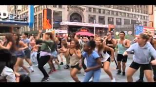 Gambar cover Pharell Williams - Happy (Flash Mob Edition)