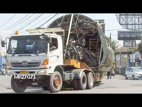Oversize Transport Truck Hercules C-130B A-1301 Museum Pusat TNI AU Dirgantara Mandala Yogyakarta