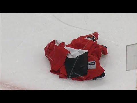 Fan throws Senators jersey on ice after loss to Bruins