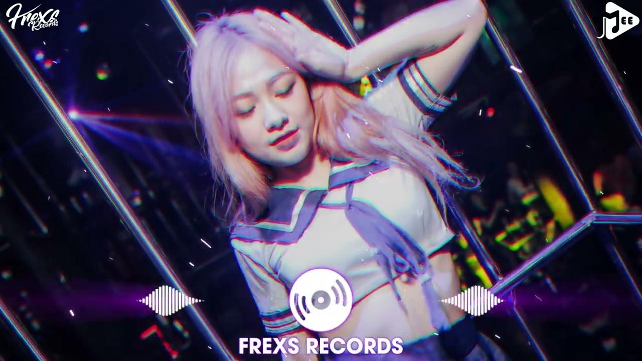 Mình Anh Nơi Này ( Mee Remix ) - Nit Ft Sing - Em Đi Xa Nơi Phương Trời Chỉ Có Mỗi Anh Nơi Này