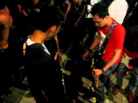 FireyJak - If The Kids are United (Sham 69) live in Jakarta July 2011