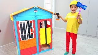 Playhouse Wall with Toy Blocks | Super Day