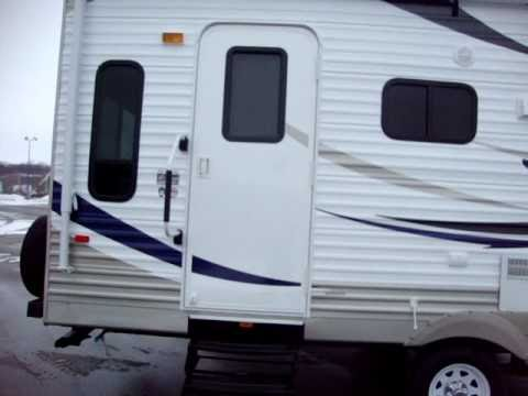 Crossroads Zinger Travel Trailer 27 RL at Couchs Campers
