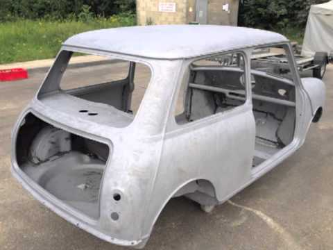 d capage par a rogommage carrosserie mini austin 1969 youtube. Black Bedroom Furniture Sets. Home Design Ideas