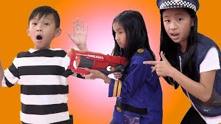 Pretend Play Fake Police CAN NOT CHASE JAILER