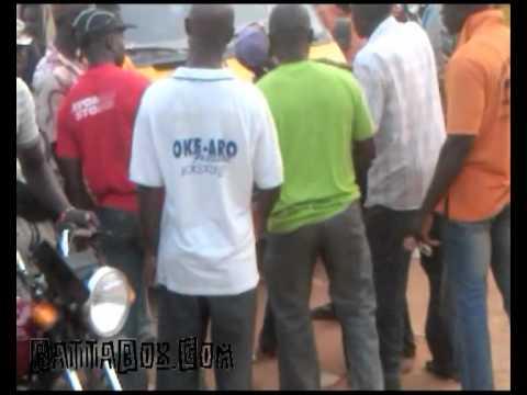 Rare Nigeria Video: Jungle Justice & Street Trial in Lagos