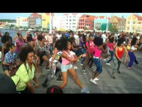 "Flashmob on the ""Swinging Old Lady"" in Curacao"
