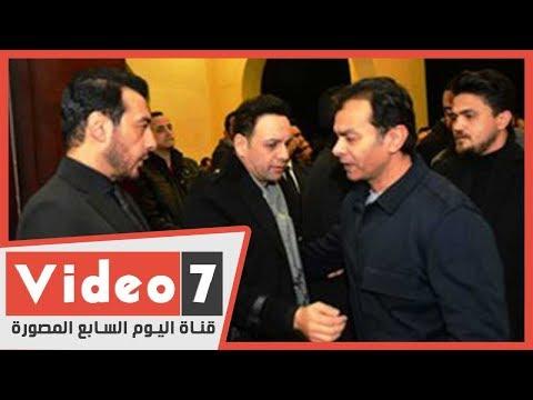 نجوم الفن والغناء ولاعبو الاهلي في عزاء والد ايهاب توفيق  - 22:59-2020 / 1 / 12