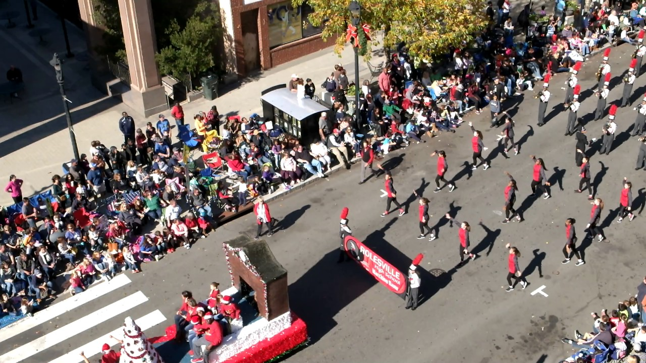 rolesville hs marching band in raleigh christmas parade 2016