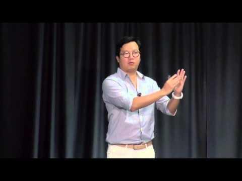 Crossing the content generation gap | Ben Huh | TEDxPoynterInstitute