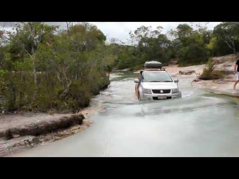 Suzuki Grand Vitara Creek Crossing