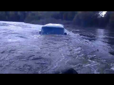 УАЗ БРОД! Поплыли!))))