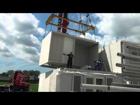 Ballast Nedam bouwt IQ woning in Weidelanden, Hazerswoude dorp