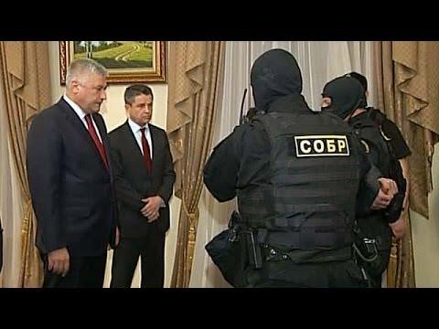 Министр МВД одолел преступность... в дуэли взглядов