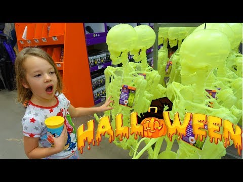 SPOOKY HALLOWEEN SKELETONS! Shopping For Scary Halloween Decorations For Our House & Scared Toddler