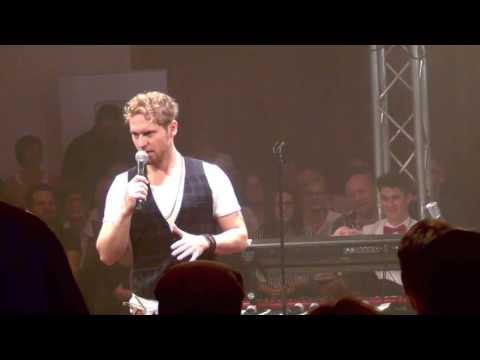Johannes Oerding ♫  Traurig aber wahr ♫ @ SEAT Music Session 2013 ♫