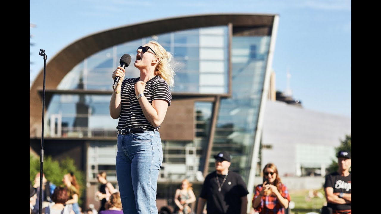 Singa Open Air Karaoke - A gigantic singing event using the biggest outdoor  screen in the Nordics