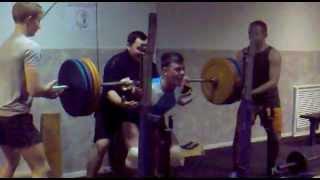 15 лет присед 160 кг без экипировки(мой вес 73)