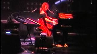 Tori Amos - (The Spectrum) Philadelphia,Pa 7.29.98