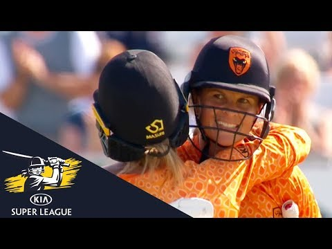 Suzie Bates Smashes 119* Off Only 72 Balls: Loughborough v Southern Vipers - Kia Super League 2017