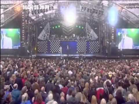 Barry Gibb & Robin Gibb - Jive Talkin'/To Love Somebody [Princes Trust Concert 2006]