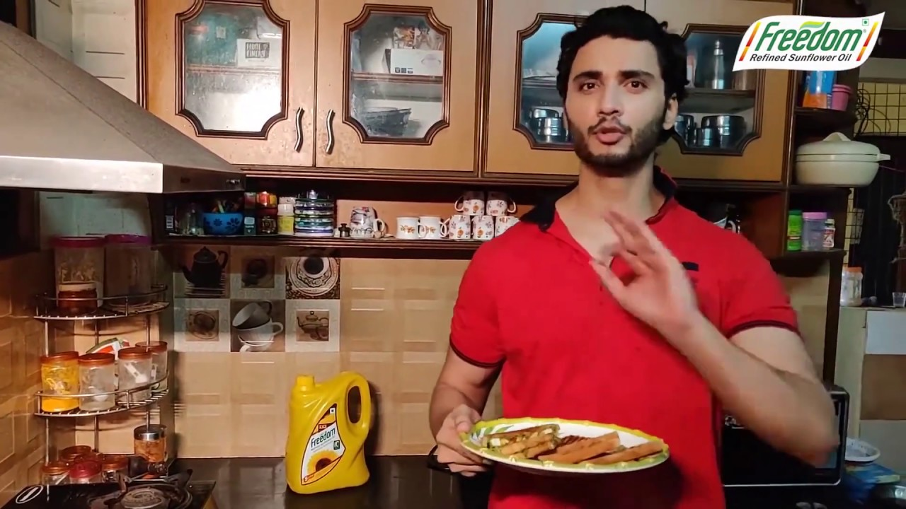 Freedom Celebrity Chef Kitchen - Paneer Masala Sandwich by Rohit - 40 seconds