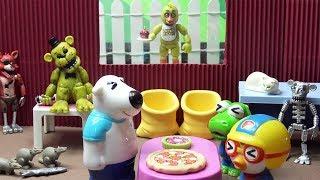 프레디의 피자가게 방탈출! 프레디를 피해서 피자가게를 탈출하자~ 공포 방탈출! ❤ 뽀로로 장난감 애니 ❤ Pororo Toy Video | 토이컴 Toycom